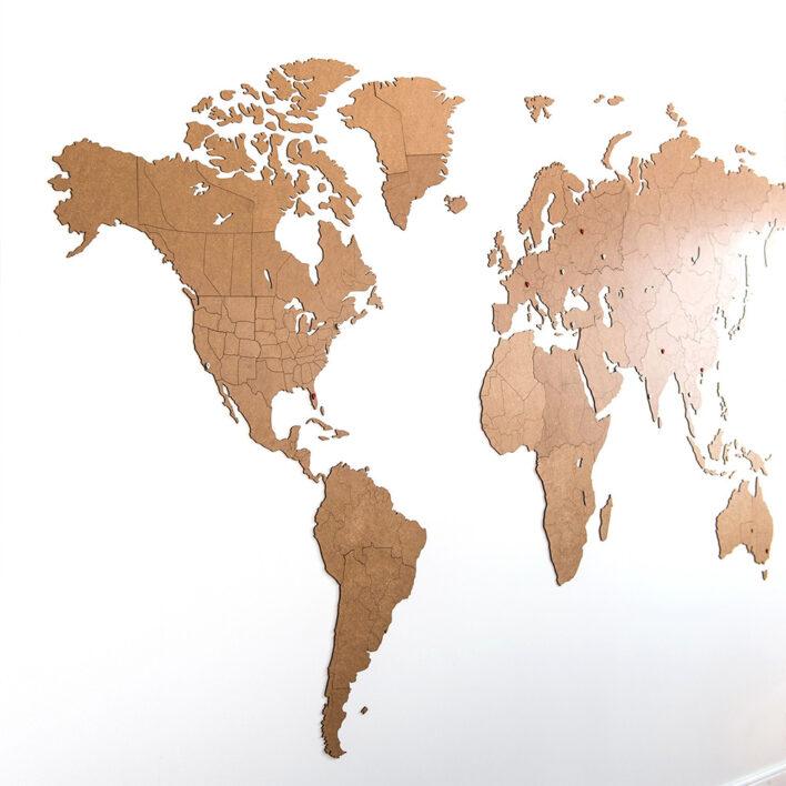 carte du monde geante en bois