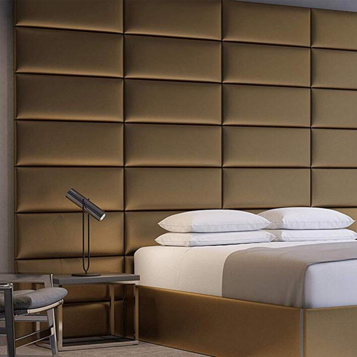 mur en cuir or